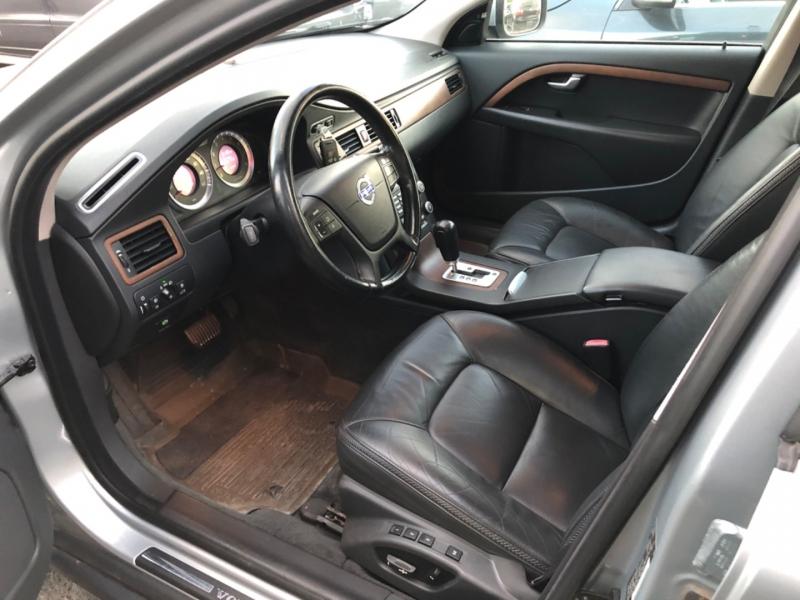 Volvo XC70 2010 price $8,900