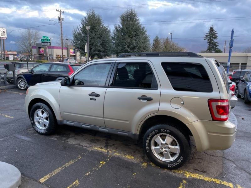 Ford Escape 2012 price $9,900