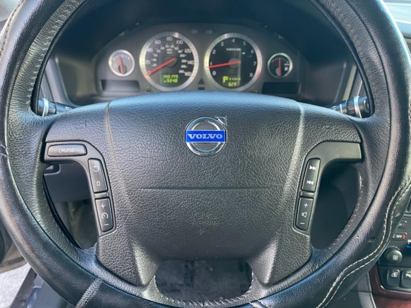 Volvo XC70 2007 price $5,900