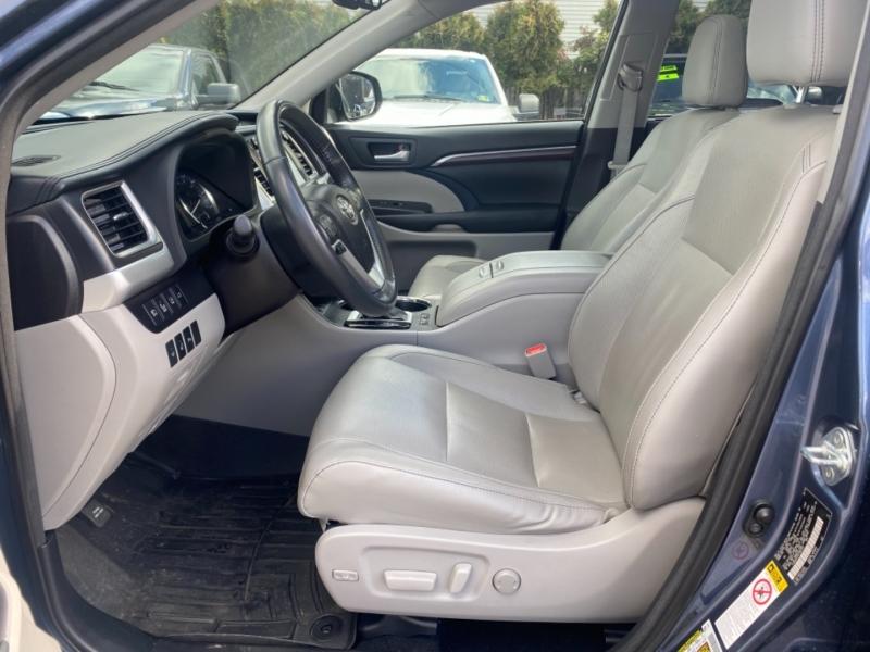 Toyota Highlander Hybrid 2015 price $23,500