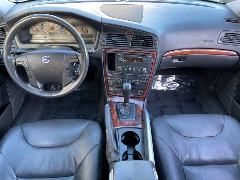 Volvo XC70 2006 price $5,900