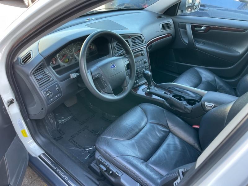 Volvo XC70 2006 price $6,900