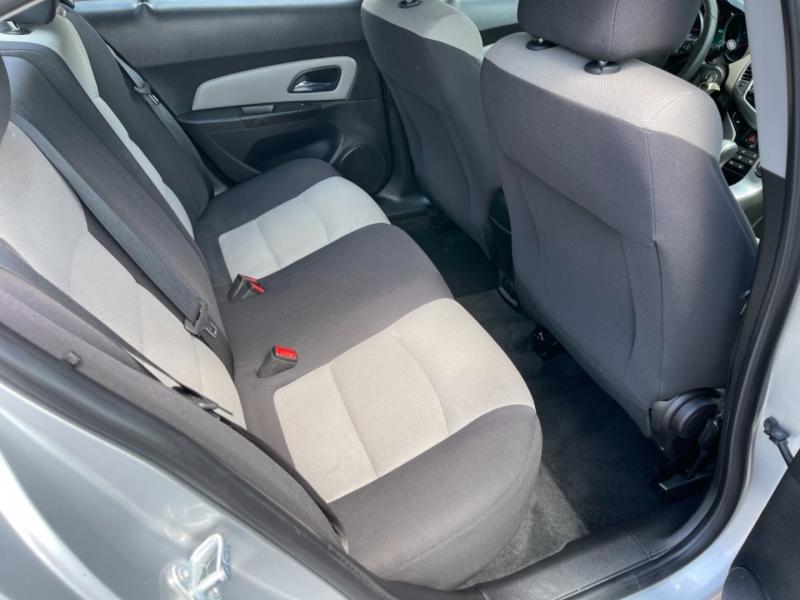 Chevrolet Cruze 2015 price $7,900