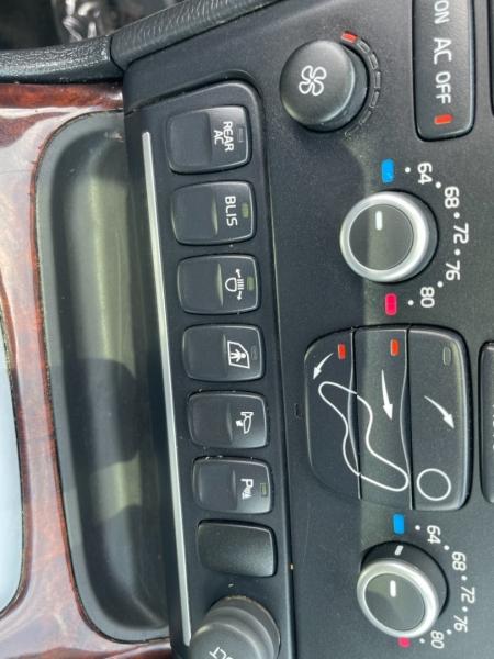 Volvo XC90 2014 price $15,500