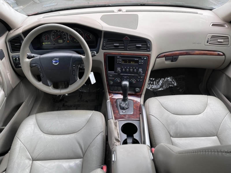 Volvo XC70 2005 price $7,900