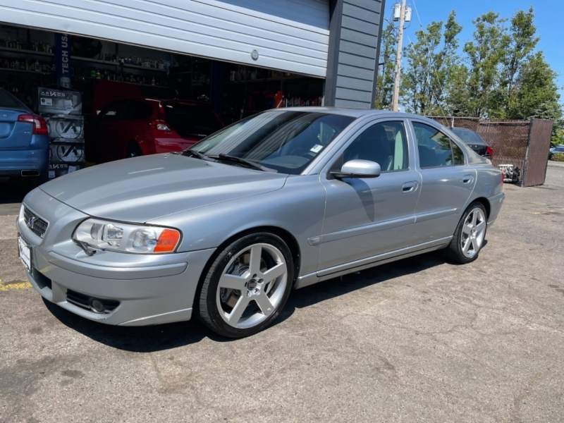 Volvo S60 R 2006 price $9,900