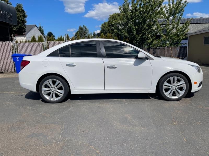 Chevrolet Cruze 2012 price $9,900