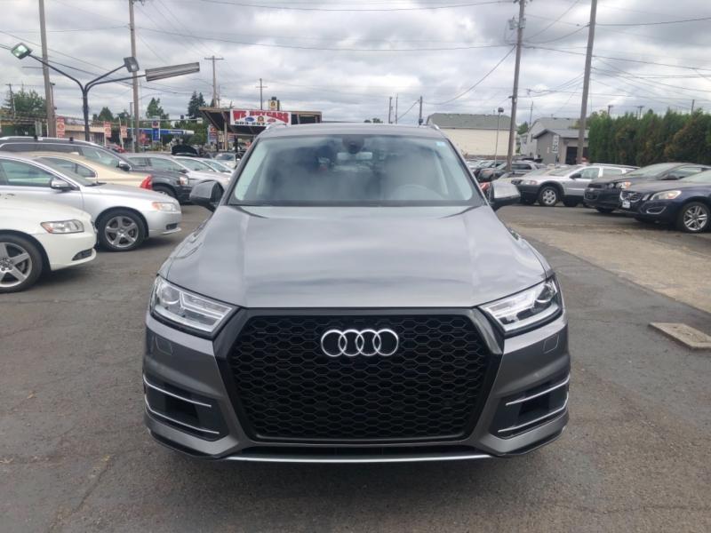 Audi Q7 2017 price $28,900