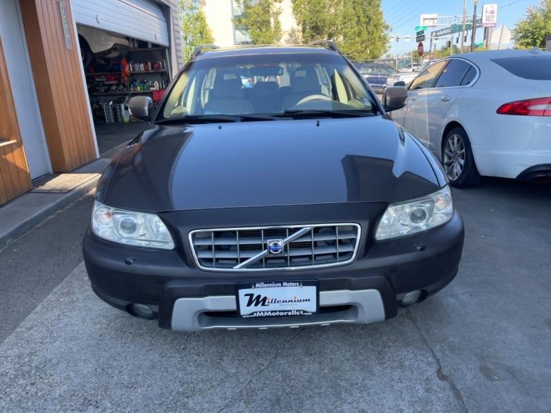 Volvo XC70 2007 price $8,900