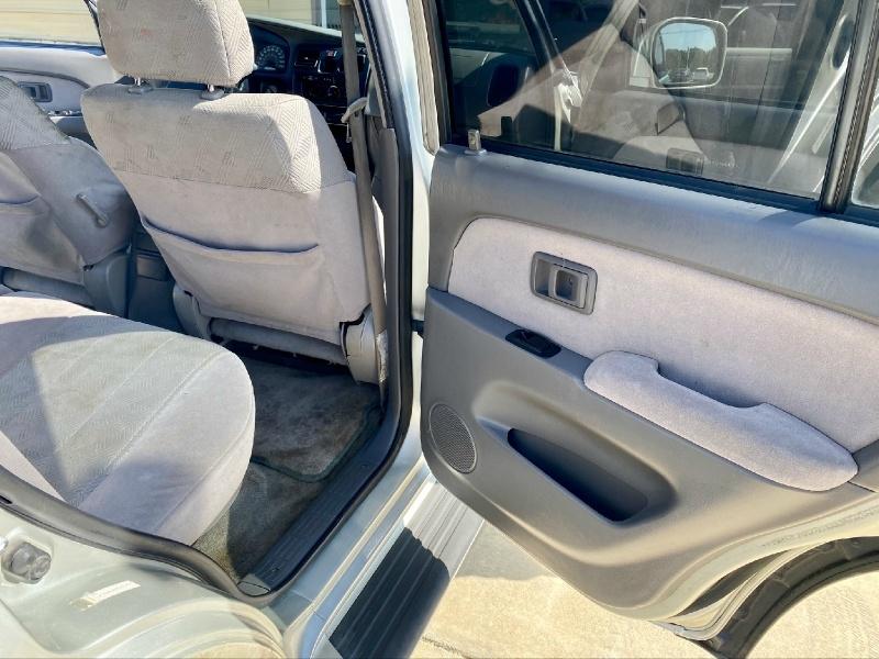 Toyota 4Runner 2001 price $2,998