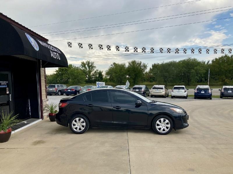 Mazda 3 2012 price $4,998