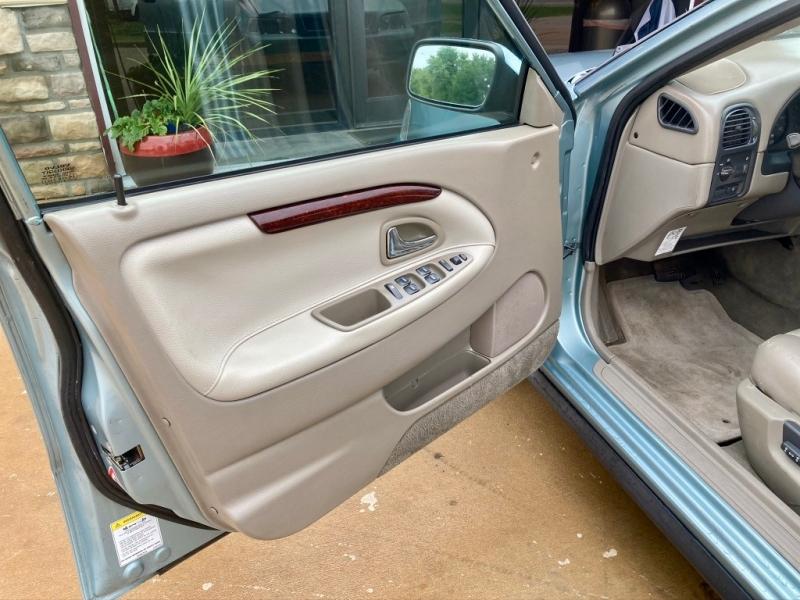 Volvo S 40 2003 price $2,798