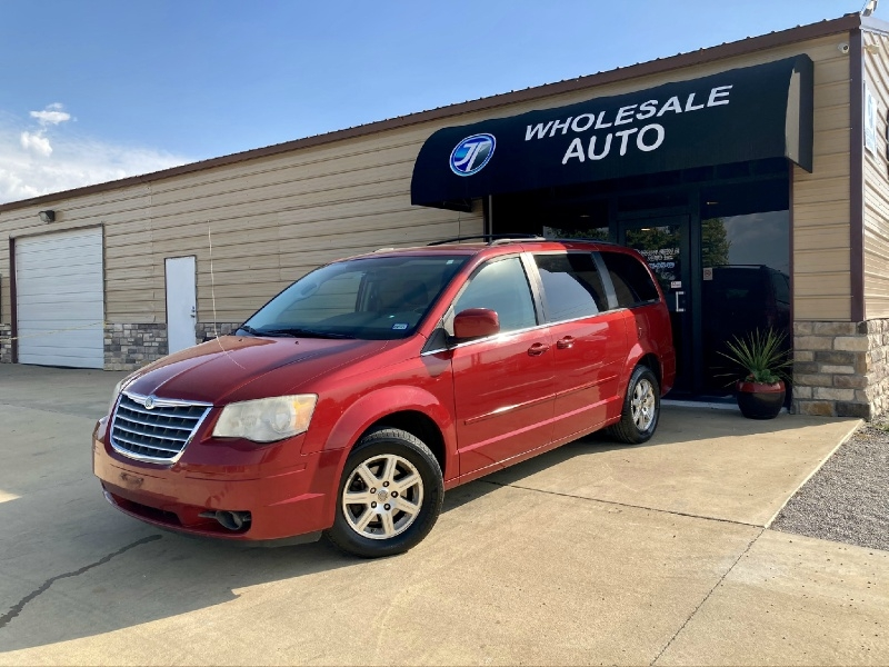 Chrysler Town & Country 2008 price $3,598