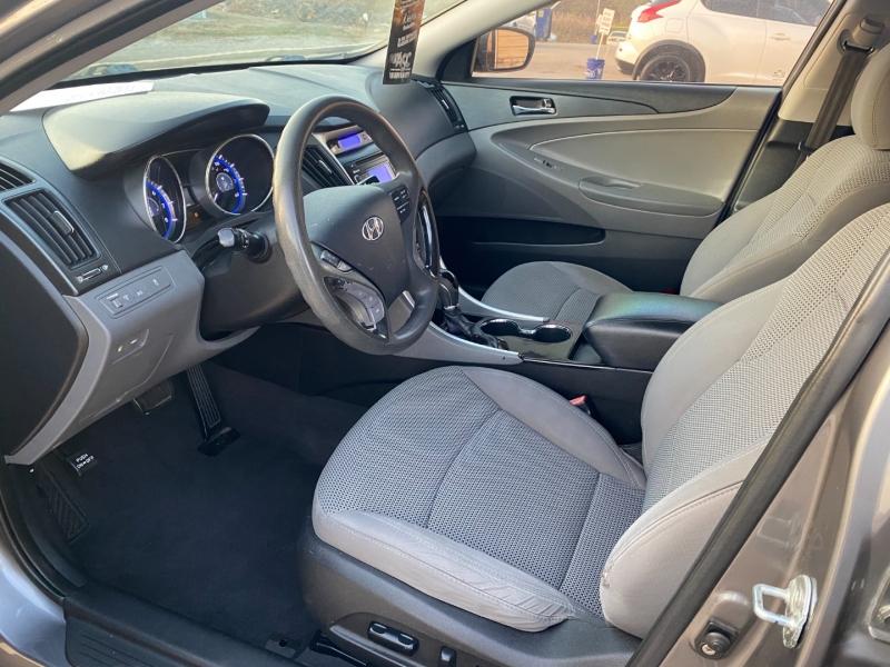 Hyundai Sonata 2011 price $3,998