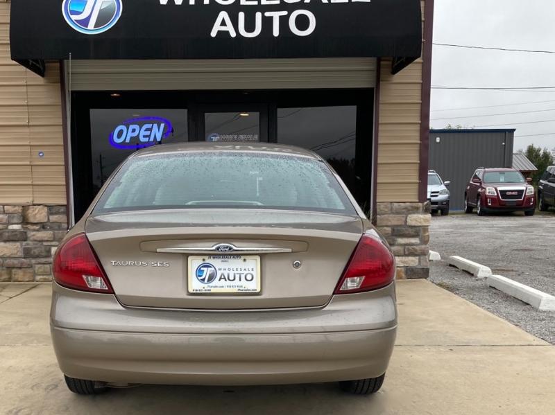 Ford Taurus 2002 price $3,998