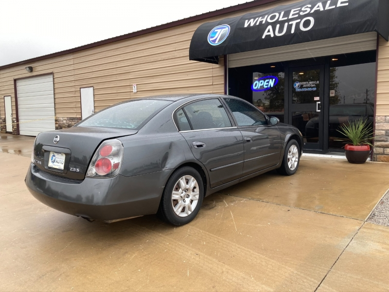 Nissan Altima 2006 price $3,598