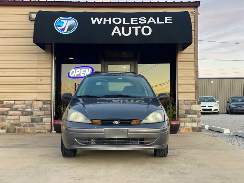 Ford Focus 2003 price $3,598
