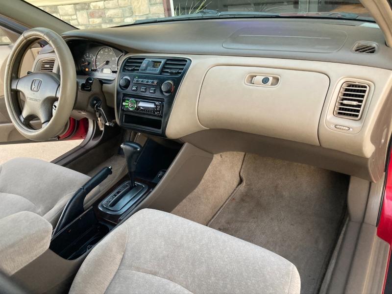 Honda Accord Sdn 2002 price $2,598