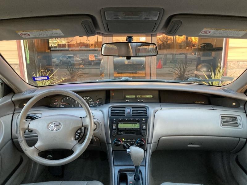 Toyota Avalon 2003 price $3,998