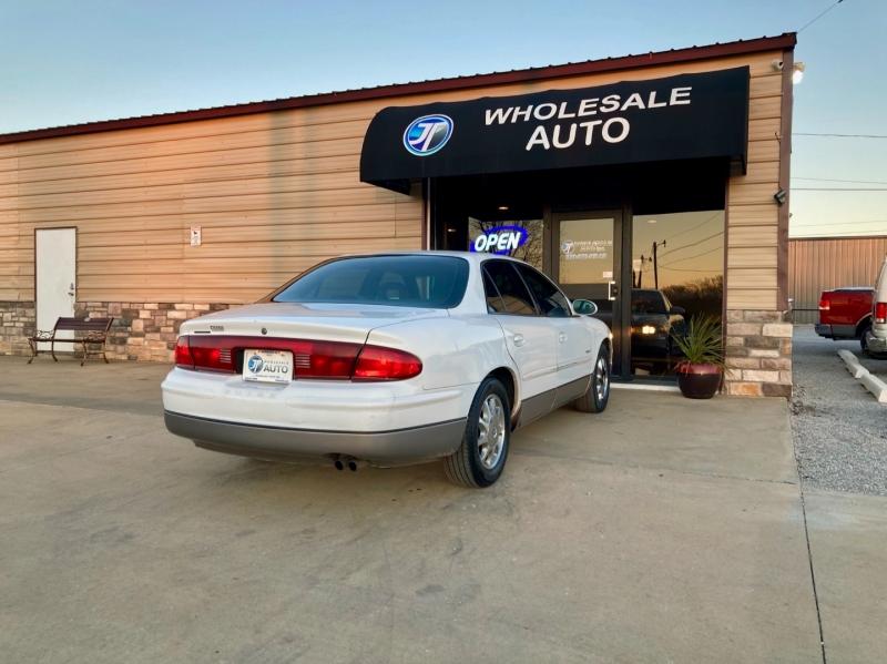 Buick Regal 2000 price $3,598