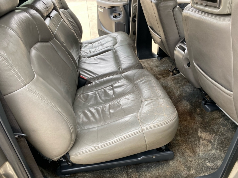 Chevrolet Suburban 2002 price $3,798