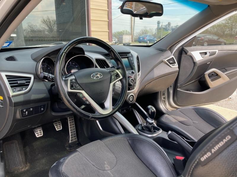 Hyundai Veloster 2012 price $5,998