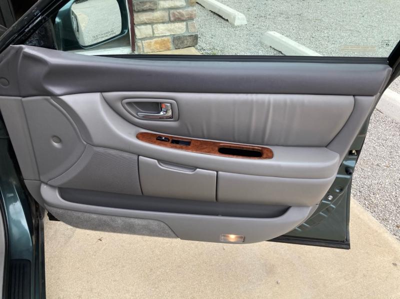 Toyota Avalon 2003 price $4,598