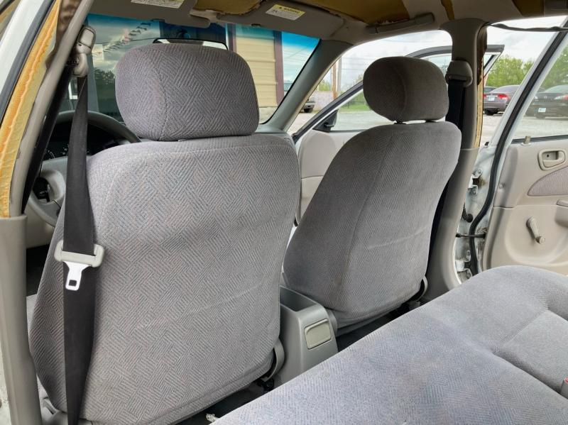 Chevrolet Prizm 2001 price $2,998