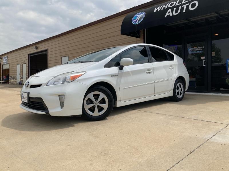Toyota Prius 2013 price $4,998