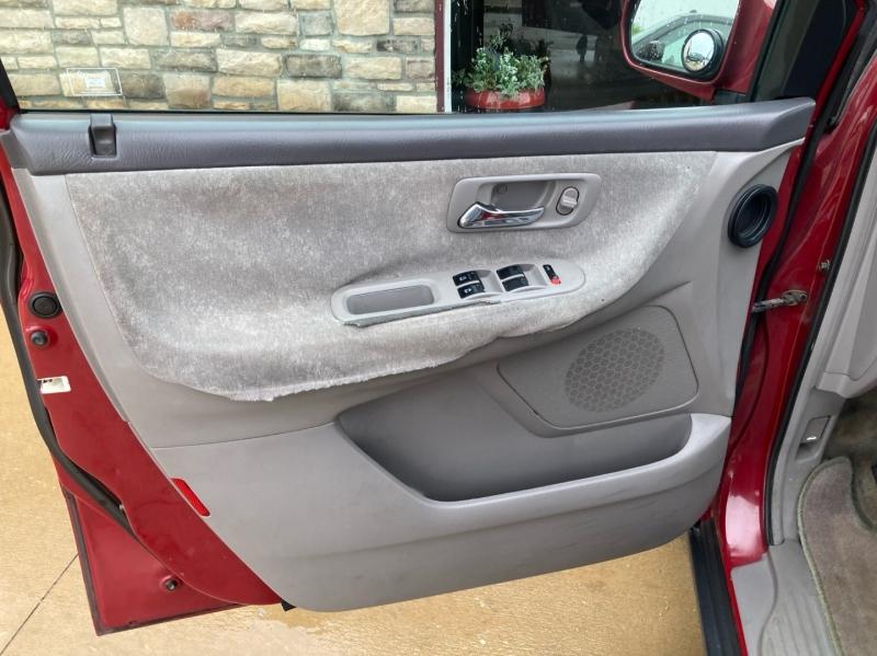 Honda Odyssey 2002 price $2,998