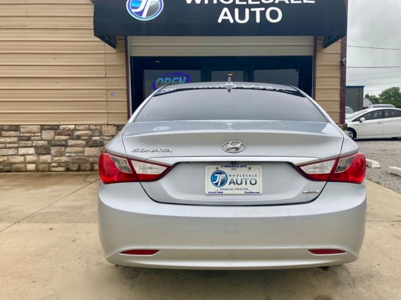 Hyundai Sonata 2011 price $7,998