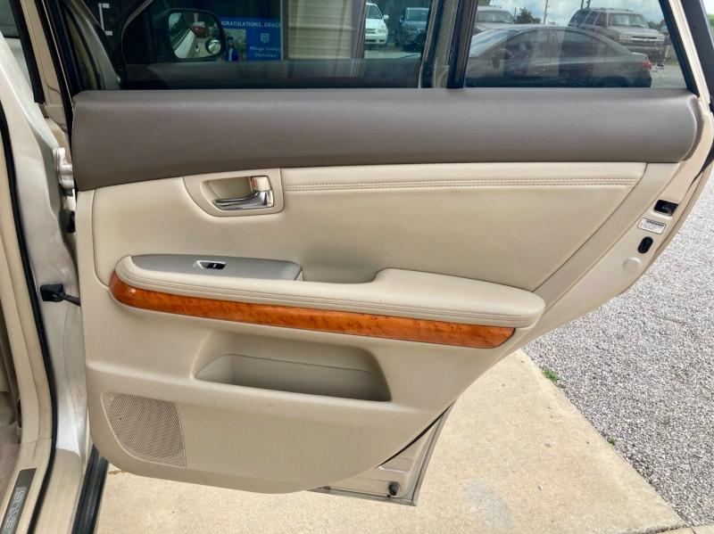 Lexus RX 330 2005 price $8,998