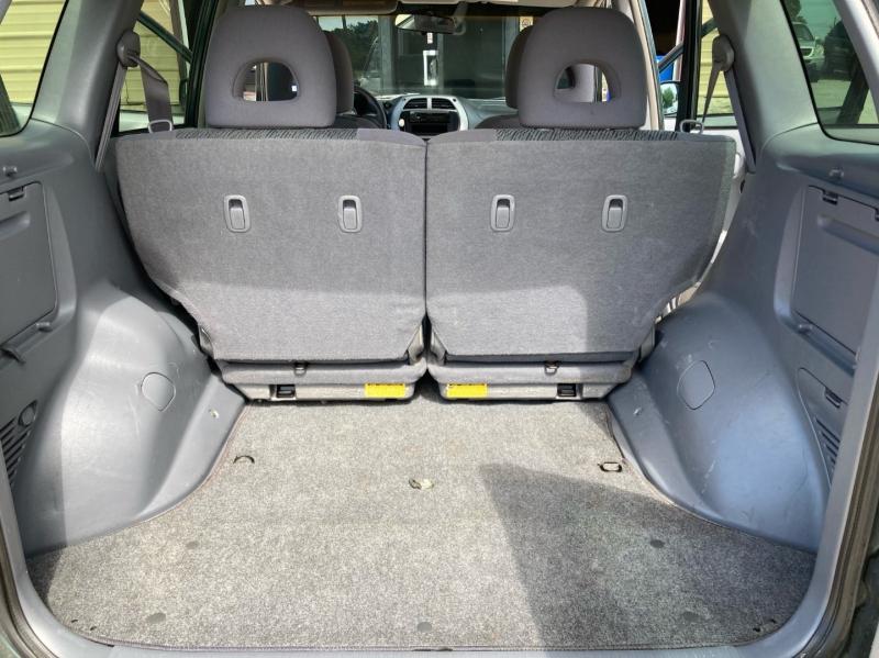 Toyota RAV4 2002 price $3,998