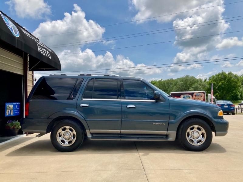 Lincoln Navigator 2000 price $5,998
