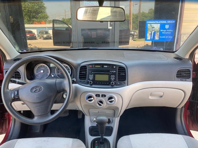 Hyundai Accent 2009 price $3,998