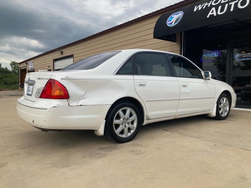 Toyota Avalon 2001 price $2,998