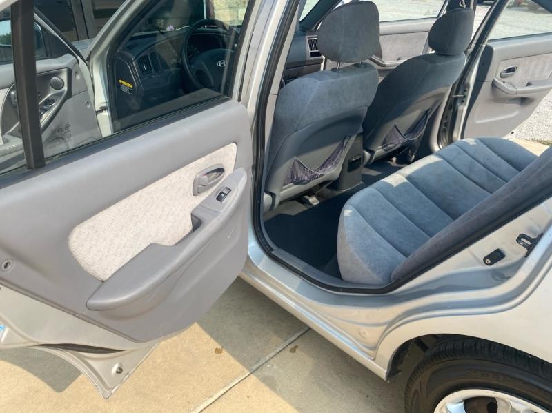 Hyundai Elantra 2006 price $3,598