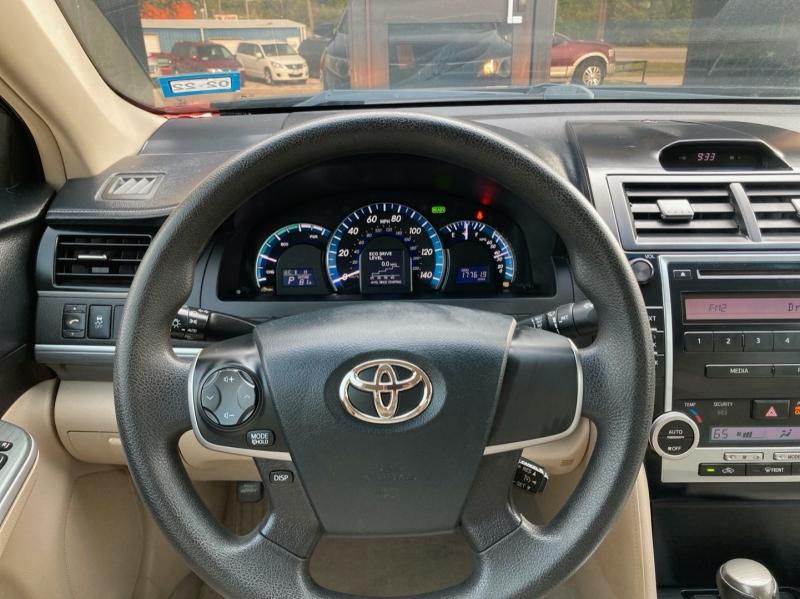 Toyota Camry Hybrid 2012 price $8,598