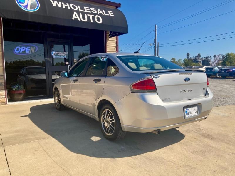 Ford Focus 2011 price $3,998