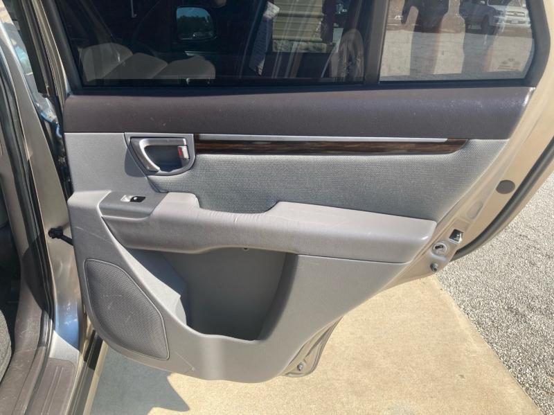 Hyundai Santa Fe 2011 price $6,998