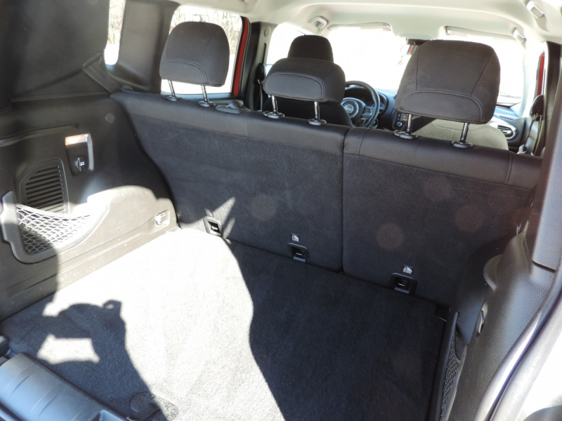Jeep Renegade 2017 price $14,980