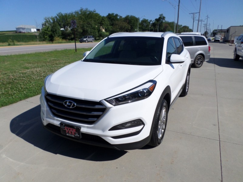 Hyundai Tucson 2018 price $16,980