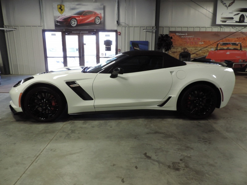 Chevrolet Corvette 2019 price $83,490