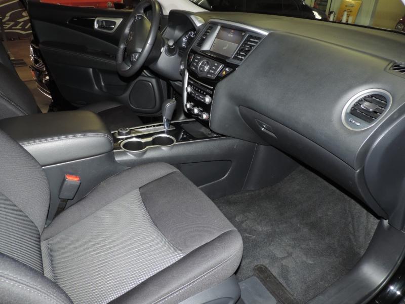 Nissan Pathfinder 2019 price $23,890