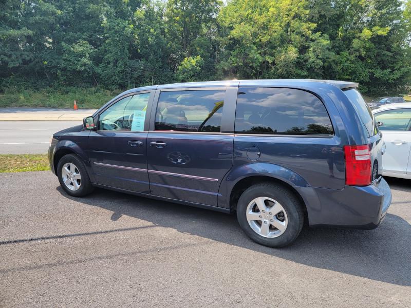 Dodge Grand Caravan 2008 price $7,300