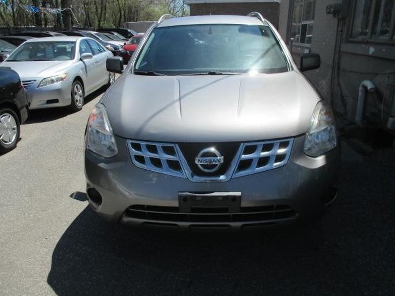 Nissan Rogue 2013 price $8,899