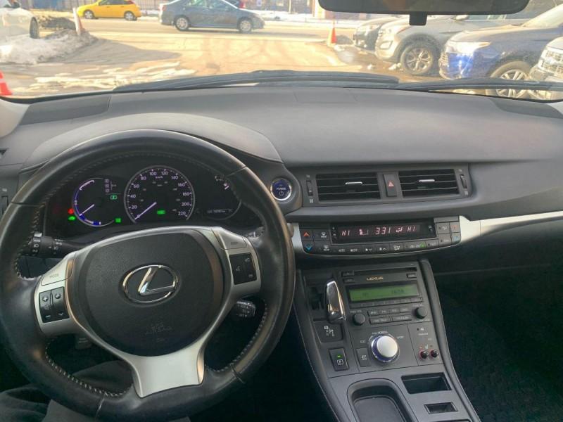 Lexus CT 200h 2012 price $11,450
