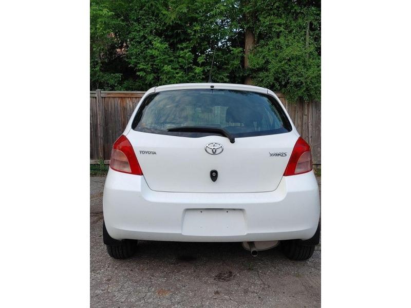 Toyota Yaris 2007 price $4,900