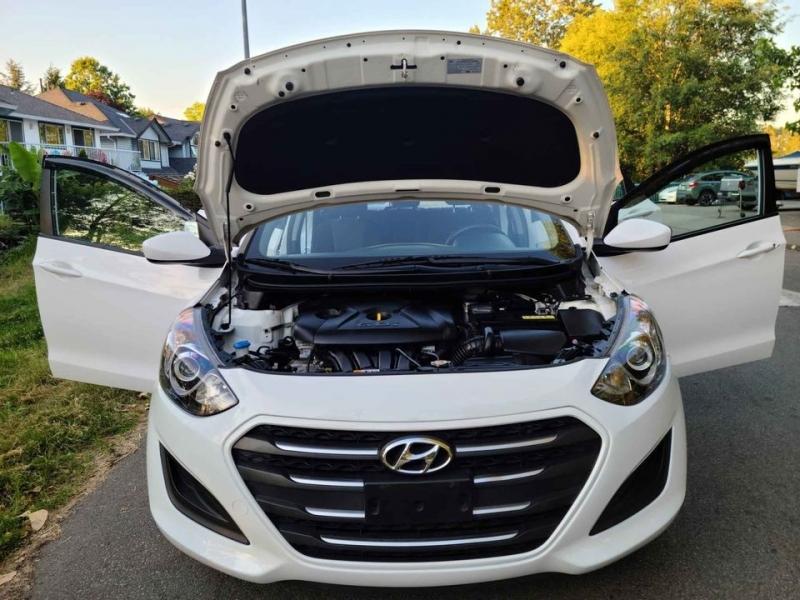 Hyundai Elantra GT 2016 price $8,900