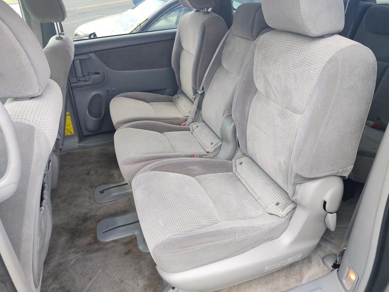 Toyota Sienna 2009 price $7,995 Cash